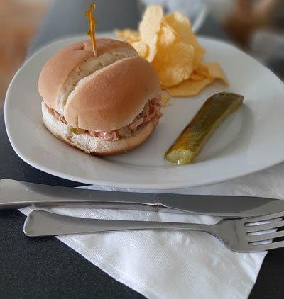 Tuna Sandwich o emparedado de Atún